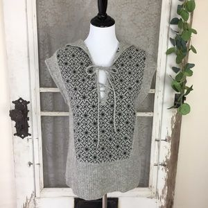 Free People Lace Up Hooded Poncho Sweater M   (L1)